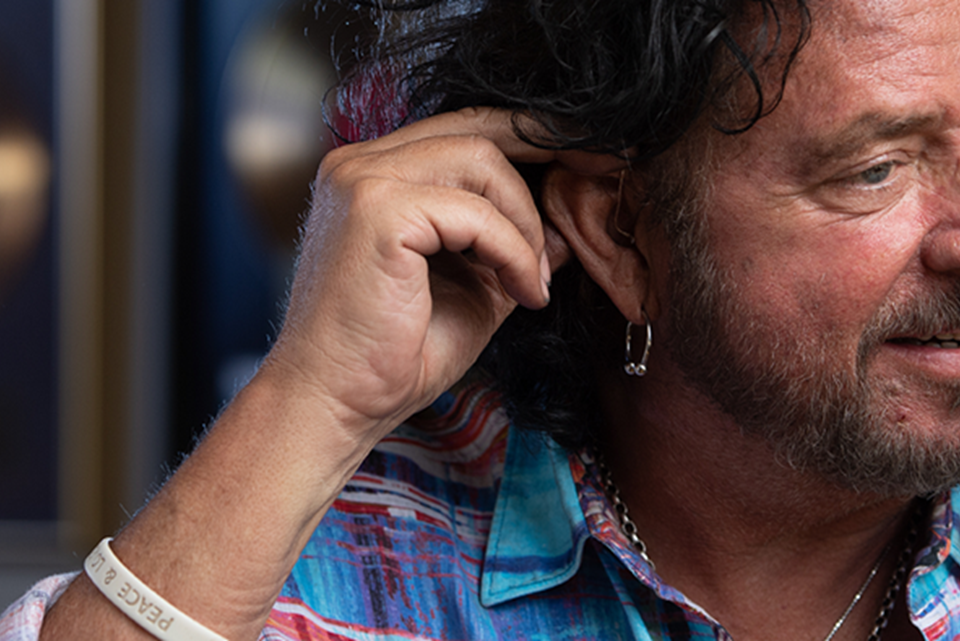 MOMENT Steve Lukather press page_1600x540_1020_1